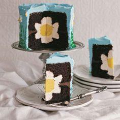 daisy flower suprise inside cake