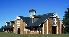 How to choose a horse barn builder. 4 important tips.