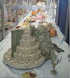 Lord of the Rings Cake - Not that I could do that in a million years, but this is very cool.