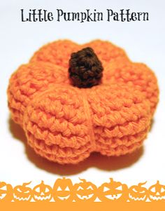 Fun crochet pattern to make these cute little pumpkins .., and free too! - This is good inspiration for Fanfare Crafts Fall contest starting on September 23. Check out the contest here> https://www.facebook.com/fanfarecrafts/timeline