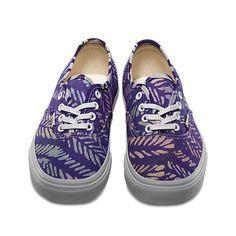 Shop the Vans x Della women's collaboration in stores - Della Authentic in batik/multi