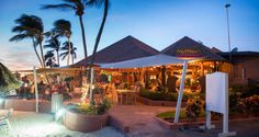 Matthew's is a trendy yet comfortable and casual seaside international restaurant that combines fine dining with a magnificent view of one of the world's most beautiful beaches.