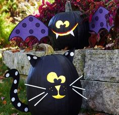 """From """"Spooktacular Pumpkin Projects For Kids."""" How cute are these bat and cat pumpkins?"""