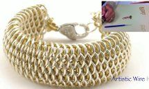 This Dragon Scale Weave Tutorial is very intricate but so worth the work! Get the look with this awesome #chainmaille bracelet tutorial.