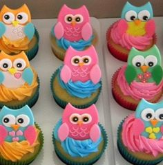 Prettiest little Owl cupcakes... Aww maybe i just might do these if baby girl ask for a owl theme party