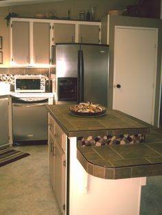 Budget Kitchen Makeover-- and to think I actually liked my kitchen before this picture