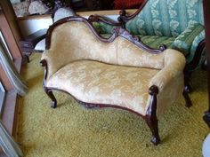 Pretty Victorian Fainting Couch