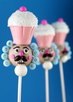 Bakerella's amazing cake pop designs. One day I will make this.