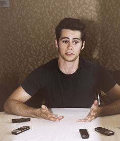 Dylan O'Brien ~ STOP IT YOU. STOP BEING AWKWARD AND CUTE AND GROWN-UP AND PC AND GENUINELY NICE AND STOP SEEMING PERFECT I AM HAVING TROUBLE WITH YOUR FACE