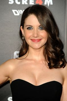 curly hair idols allison brie over the shoulder curls