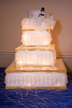 3 tierd Glass block wedding cake