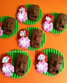 Tiki head cupcake toppers