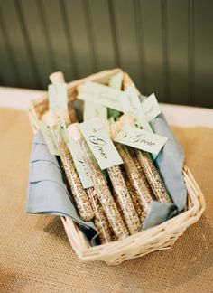 What a great idea for a wedding favor--or any party favor. Blogger Carrie filled small vials (like test tubes) with wildflower seeds for her guests to take home and plant. You can find seed mixes blended just for your region. || @dreamgreendiy