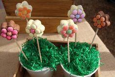Jazzy Flower Cake Pops