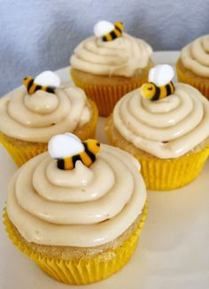 A Fabulous Challenge: Bee Themed Baby Shower