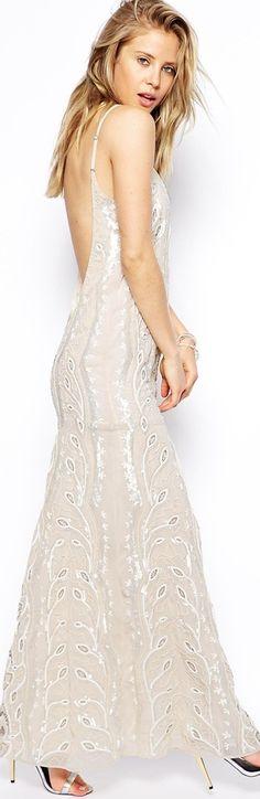 Hippie wedding dresses on pinterest 296 pins for Rock n roll wedding dress