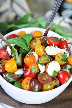 Quick Caprese Salad | The Healthy Foodie