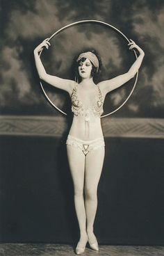 Hula hoop. #vintage