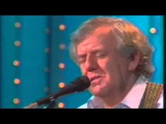Paddy Reilly singing Carrickfergus
