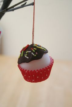 cupcak ornament, mini cupcakes