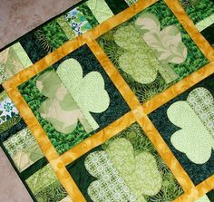 Shamrocks St. Patrick's Day Quilt: I have a few friends who would like this!