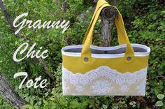 I Am Momma - Hear Me Roar: Granny Chic Tote