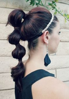 poofy pontail THIS IS FABULOUS! Make sure that when you are putting the section onto the ponytail they are loose like in the picture. This look was great and I got many compliments !