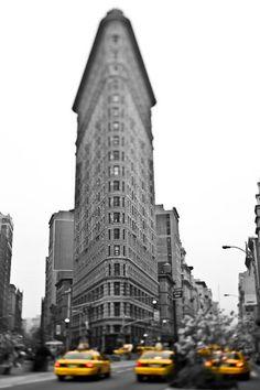raceytay, buildings, yellow cab, nyc, new york city photography, travel new york, york citi, flatiron build, photographi