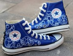 """SIDE 2 OF THE AMAZING SHOES- written in Gallifreyan the left side says """"Nice to meet you Rose Tyler"""" and the right says """"now run for your life"""""""