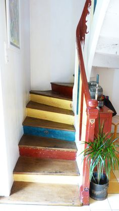 deco escaliers on pinterest painted stairs stairs and staircases. Black Bedroom Furniture Sets. Home Design Ideas