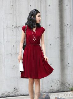 Solid V Neck Spleated Dress