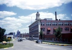 Corner of Locust Street and Fleur Drive looking east, early 1950's. Meredith Corporation is on the right.
