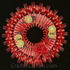 A Spoon & Fork Wreath -- perfect for summer! CraftsnCoffee.com