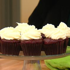 Buddy Valastro's No-Fail Cream Cheese Frosting, watched 10/3/13 on RR show. Made 1/5/14, made with hand mixer. mixed butter and 10x first. then added vanilla, then cc...just like video. not too sugary sweet or cream cheesy tasting. i also halfed the recipe.
