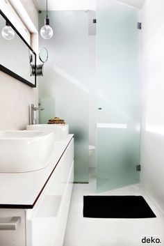 bathroom | E27 lamp by Muuto   WC door!!!!