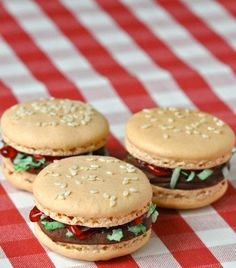Happy Cheeseburger Day: 11 Yummy Treats That Look Like Burgers!