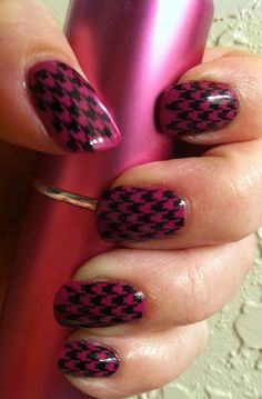 Pink and black houndstooth. Love it!! Nail Stamping Art nail stamping