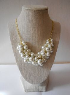 Classic White Pearl Statement Necklace//Bib Necklace//Chunky Pearl Necklace//Pearl Bubble Necklace