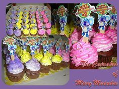 Mecheel Roferos Caseñas-Esic created these beautiful cupcakes for her daughter Mary Meandre's 2nd birthday!! Ahooga the toppers look awesome! Using our free #diy #birthday kit!! You can get it in our Fan Club here: http://thegigglebellies.com/free/ #GBbirthday
