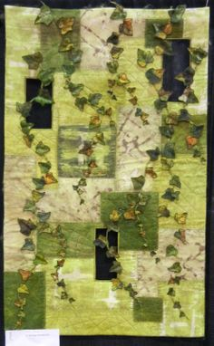 Vert'iges by Nathalie Tamborini. French Patchwork.  2014 Road to California, photo by Quilt Inspiration
