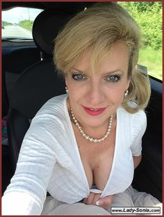 "I am Gill Ellis-Young and I play ""lady Sonia"" at www.Lady-Sonia.com xx"
