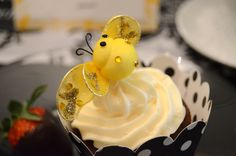 Bee-themed baby shower (Eleven Magnolia Lane)