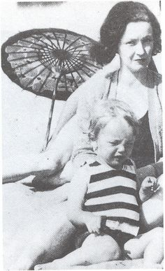 Marilyn Monroe with her mother