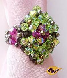 Tourmaline Ring :  Free Tutorial with images in pdf format at beadworkbrasil.bl...