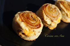 Scones de cebolla, bacon y queso Gouda