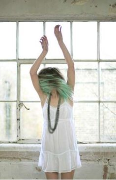 bright green streaks ~ closest I could find to symbolise Aurora Keziah's green streaked hair. =)