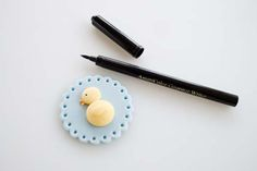 """Ducky fondant cupcake topper with """"How To"""" Tutorial"""