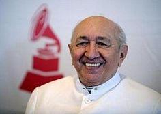 Simón Diaz.  Músico, compositor e intérprete del género popular venezolano. Ha sido reconocido con un premio grammy.