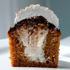 Smore Graham Cracker Cupcakes - next gourmet cupcakes for us??