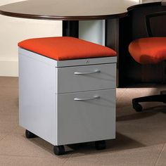 Mobile pedestals double as extra searing in tight spaces! HON's Flagship Series.